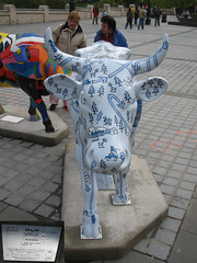 No 51 Moovaletta at Edinburgh Cow Parade 2006