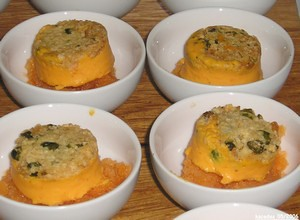 Granité de vinaigre blanc, bavaroise de carotte et crumble aux fruits secs