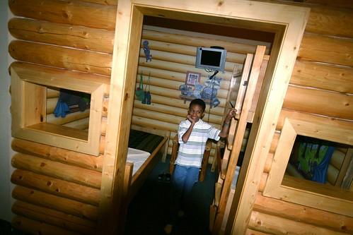 kids cabin inside room