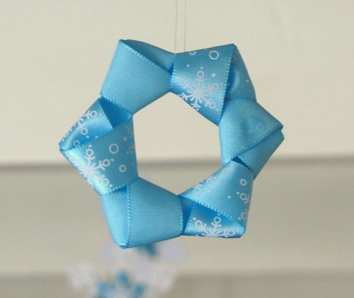aqua ribbon star ornament