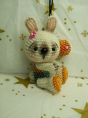 lapin crocheté avec perles photo by laurabdesign