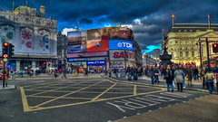 London: Piccadilly Circus photo by SergeK 