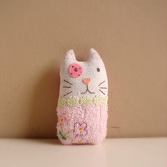 Cat Rattle sofftie photo by Roxy Creations