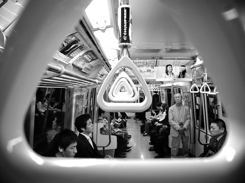Tokyo Subway - 4 photo by Luca Rossini