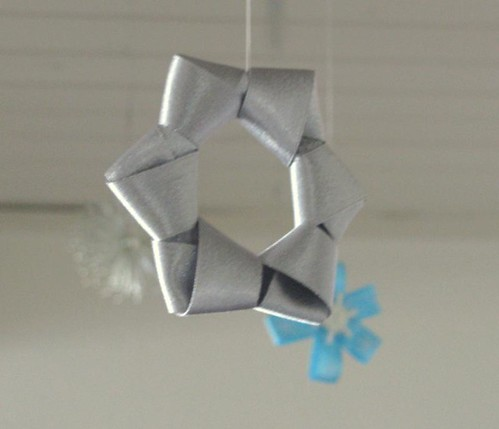 silver ribbon star ornament