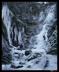 Cascada en el Reino del Hielo / Waterfall in the Ice Kingdom photo by OMA photo