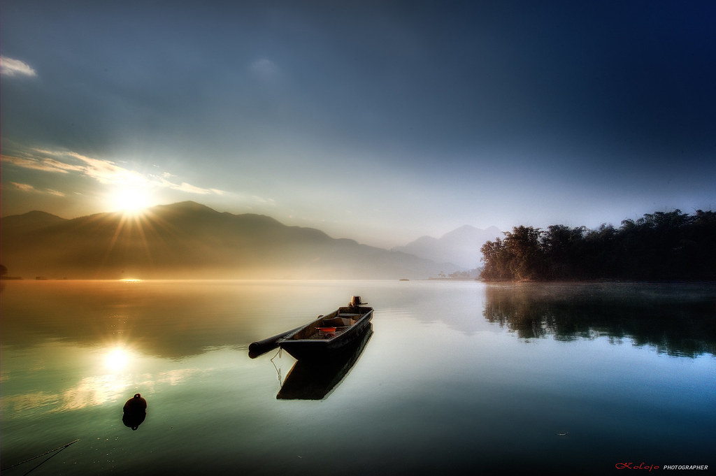 SUN MOON LAKE photo by kolojo
