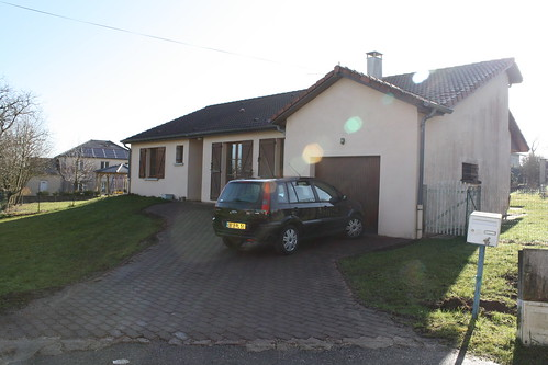 La maison, côté entrée