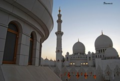 Architecture of Zayed Mosque photo by .ღ♫°Qanas°♫ღ.