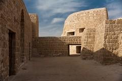 Bahrain fort 03 photo by potomo