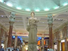 Caesar's Palace - Forum Shop Statue