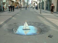 Julian Beever: Boot in de Nieuwstraat