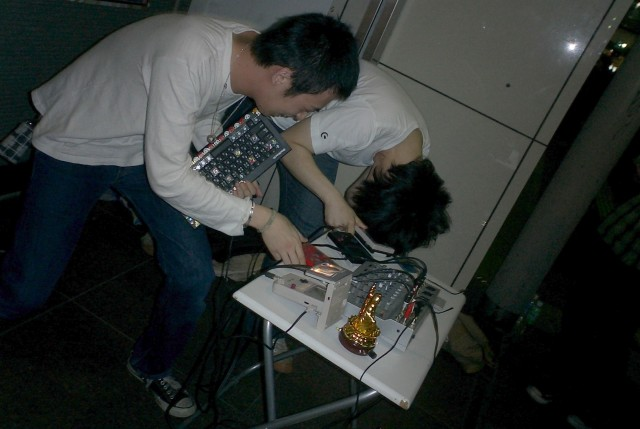 Street chiptune live! (portalenz (Fukuoka Japan) )