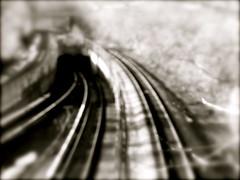 un chemin de fer menant à l'enfer...