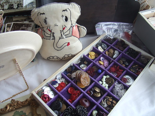 Elephant cushion & buttons