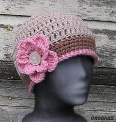 skull cap with medium rose pin