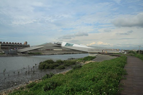 親水步道與景觀橋