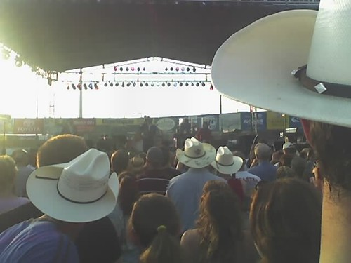 Dwight Yoakam Through a Sea of Hats