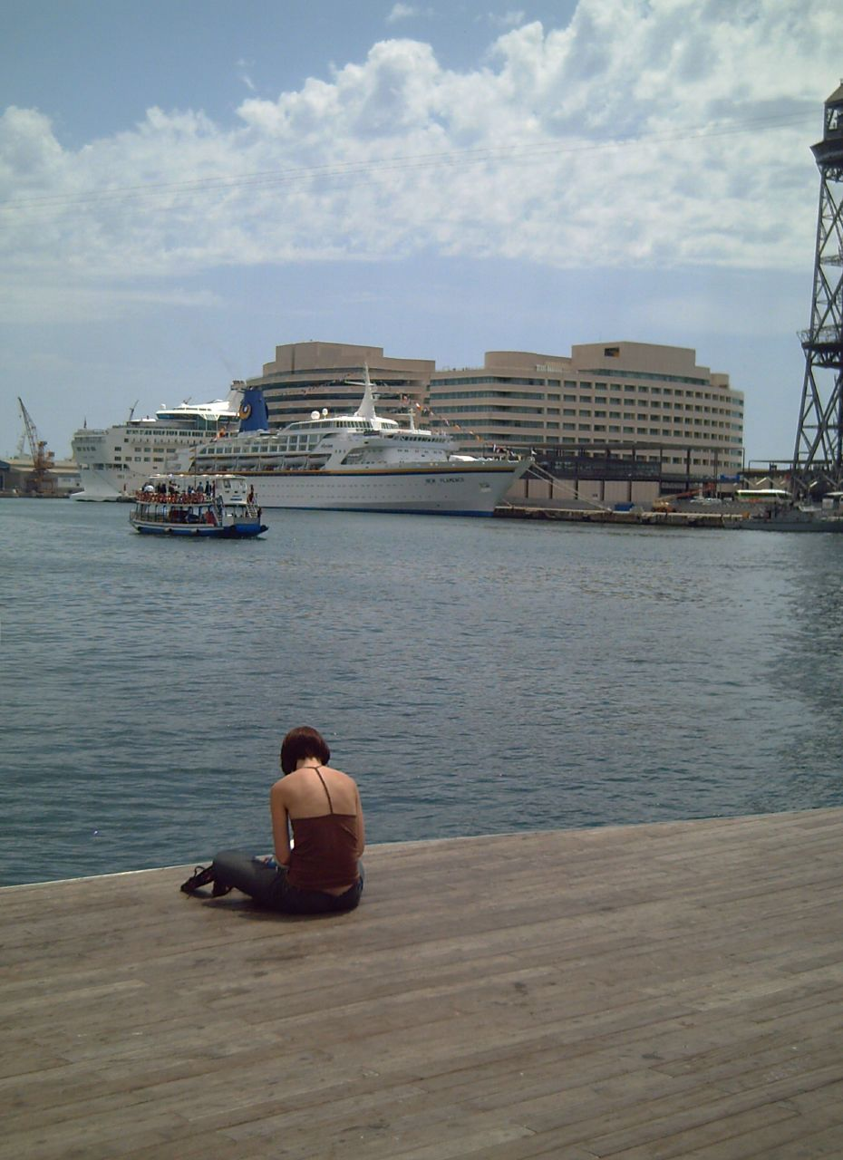 Barcelona Port: Lady and Golondrinas