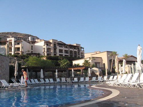The main pool at Pueblo Bonito
