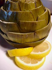 Artichoke with olive oil and lemon