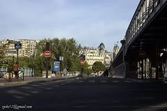 Keheningan Minggu Pagi Paris
