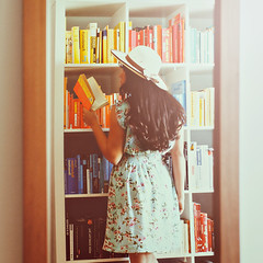 The girl in the mirror. photo by www.juliadavilalampe.com