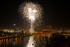 fireworks over st. paul minnesota july 4th photo by Dan Anderson.