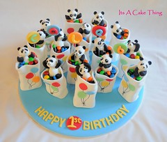 Panda mini cakes photo by Its A Cake Thing (Jho)