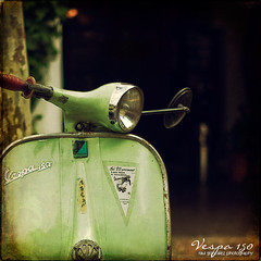 Vespa 150 vintage... photo by raul gonza|ez