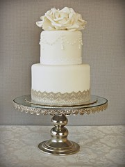 Vintage Wedding Cake photo by Mina Magiska Bakverk (My Magical Pastries)