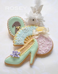 【ROSEY'S SUGAR CLASSES】Icing Cookies lesson ~ Marie Antoinette Theme photo by rosey sugar