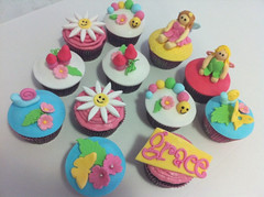 Fairy garden cup cakes photo by Sunny Girl Cakes