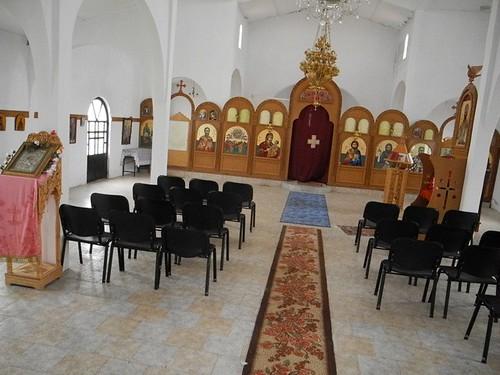 Înăuntrul bisericii ortodoxe din satul Borova, Albania