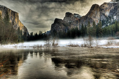 Yosemite National Park, Valley View, Misty Morning photo by Bridgeport Mike