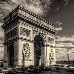 Arc de Triomphe 2 photo by Oliver Winter