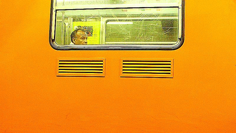 en-el-metro.jpg