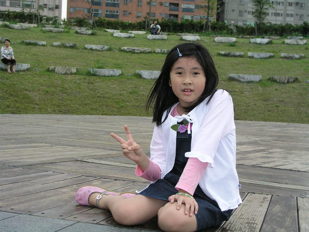 中和四號公園—Annie 婷婷的美少女模樣,