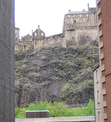 Abseiling-down-Edinburgh-Ca