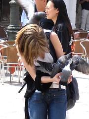 聖馬可廣場餵鴿子_003