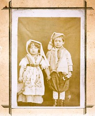 brother and sister, fratello e sorella, 1903 photo by Robert Barone