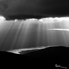 Light Rays -  Buachaille Etive Mòr Summit photo by David Hannah