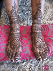 Fancy Indian-style feet photo by HennaLounge