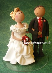 Lindy's wedding couple created at her bride and groom modelling workshop photo by Lindy's cakes