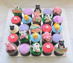 Farm theme cupcakes for Lizzy photo by Its A Cake Thing (Jho)