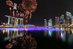 Singapore New Year Countdown 2011 Fireworks : First Burst : photo by Kenny Teo (zoompict)