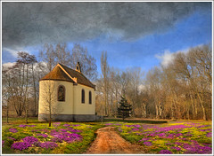 Chapel photo by Jean-Michel Priaux