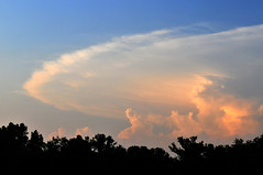 Distant Anvil Cloud photo by NaturalLight