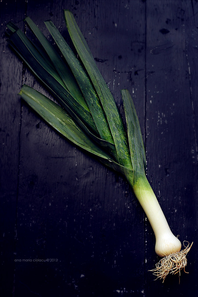 Zeytinyagli pirasa Leeks in olive oil 1