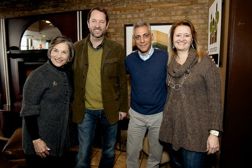Rahm Emanuel at uncommon ground   © Zoran Olric | ZeroStudio 2011